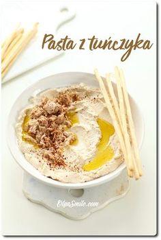 PASTA Z TUŃCZYKA Dzisiaj na blogu pasta z tuńczyka w puszcze, serka, twarogu, tofu lub jajek. Pasta z tuńczyka towarzyszyła mi podczas studiów, podczas wyjazdów i wypadów za miasto, gdy przygotowywałam kanapki na drogę. Wtedy