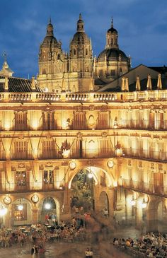 Plaza Mayor in Salamanca, Spain. Salamanca's Plaza Mayor was constructed between 1729 and 1755. Its Baroque style architecture of the 18th century, includes Spanish decorations of cut tablets, equilateral arches and four levels. Much of the daily and night life of Salamanca takes place in the Plaza Mayor. (V)