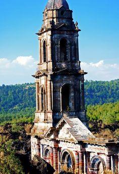 Conoces la historia... Una iglesia quedó bajo la lava de un volcán
