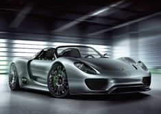 Porsche 918 Spyder plug-in hybrid concept gets 78 mpg, hits 62 mph in 3.2 seconds