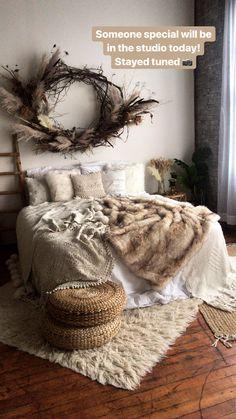 Studio Bed, Dream Studio, Studio Room, Photography Studio Spaces, Christmas Photography, Potted Garden, Christmas Displays, Studio Ideas, Future