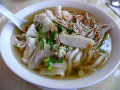 """Những món bánh canh Sài Gòn chưa đi ăn là """"phí của giời"""" - http://congthucmonngon.com/206655/nhung-mon-banh-canh-sai-gon-chua-di-la-phi-cua-gioi.html"""