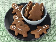 Get this all-star, easy-to-follow Gingerbread Cookies recipe from Alex Guarnaschelli.