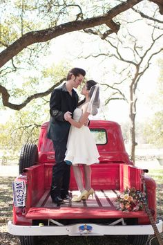 Rockabilly Romance | SW Rockabilly Romance | Editorial