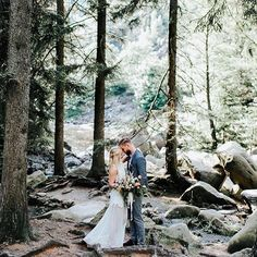 When we arrived at the shooting location in the Harz mountains I was surprised how much beauty you can find in our old world Germany. Sometimes good things are closer than you think... you just need to keep looking.  🏔️  .  photo: @anja_schneemann_photography   video: @theweddingtree.eu   event styling: @pompomyourlife   make-up and hair: @riasaage   flowers: @milles_fleurs_   sweets and bakery: @mundus_hannover   model: @oui_cherie_ & Julian
