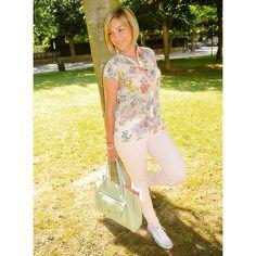 Buenos días.. Nuevo post!! #angycloset #moda #tendencias #blog #blogger #blogdemodalogroño #fashion #fashionblogger #outfit #outfit4you #outfitdeldia #outfitoftheday #style #streetstyle #streetstyledeluxe #stylelogroño http://www.angycloset.com/2015/07/flores-y-converse.html?m=0 @kissmylook @converse @mangofashion