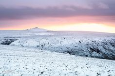 """RT @AnnaCurnowPhoto: Sunset this afternoon from a very cold High Willhays #Dartmoor #Devon @activedartmoor @metoffice"""