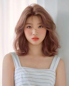 Medium Hair Cuts, Short Hair Cuts, Medium Hair Styles, Curly Hair Styles, Haircuts Straight Hair, Medium Curly, Asian Short Hair, Girl Short Hair, Korean Medium Hair