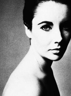 Elizabeth Taylor photographed by Richard Avedon