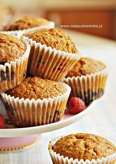 Muffiny bez mąki pszennej z owocami (bez glutenu) Muffins without wheat flour with fruit (without gluten) Gluten Free Baking, Gluten Free Recipes, Deserts, Good Food, Muffins, Sweets, Food And Drink, Fruit, Cooking