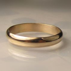 Men's Gold Wedding Band 4mm recycled 14k Gold Ring by JanishJewels, $465.00 #weddingring