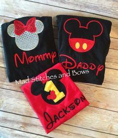 Bordadas camiseta mickey mouse cumpleaños con mamá y papá