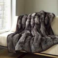 GR Silver Fox Throw by gambrellrenard on Etsy. Just pretty but have mixed emotions about it. Faux Fur Blanket, Faux Fur Throw, Fur Bed Throw, Bed Throws, Animal Print Furniture, Faux Fur Bedding, Fur Decor, Dream Blanket, Fur Rug