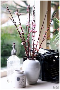 Living room spring details / Olohuoneen keväisiä yksityiskohtia