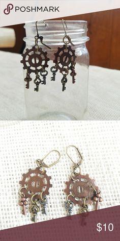 Steampunk Gears & Keys Dangle Earrings Hand crafted steampunk latch hook earrings with gears and key charms. Jewelry Earrings