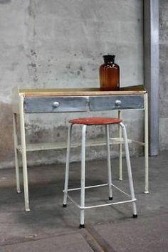 ≥ Oude ziekenhuis tafel van staal en hout - Tafels | Sidetables - Marktplaats.nl