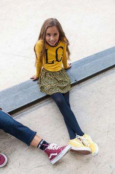 Wij houden van de kleur geel, lekker vel en super makkelijk te mixen & matchen! #geel #looxs #trend #yellow #shirt #inspiration #kindermode #girlsfashion #inspiratie #look Yellow, Revolution, Baby, Style, Fashion, Modern Fashion, Men, Swag, Moda
