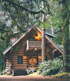 Cabins in the woods Cabins in the mountains Cabins interiors Cabin ideas Cabins and cottages Rustic Chalet Rustic home Log cabin home Log cabin decor Tiny houses Tiny homes Tiny living Adventure Hipster men Hipster women Outdoor lifestyle Small Log Cabin, Little Cabin, Log Cabin Homes, Cozy Cabin, Log Cabins, Log Cabin Exterior, Small Log Homes, Rustic Exterior, Rustic Cabins