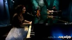 Evanescence - All That I m Living For (Live @ AOL Music Sessions 2006 - Uma das grandes letras de Amy Lee, cantadas acusticamente. Strange Magic, Amy Lee Evanescence, Gothic Rock, My Favorite Music, Music Bands, Of My Life, Music Videos, Songs, Photo And Video