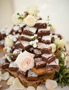 Wedding Food Brownie tower - 10 of the best unusual wedding cake tower ideas - If a traditional wedding cake isn't your thing, try these mini alternatives Alternative Wedding Cakes, Unusual Wedding Cakes, Wedding Cake Alternatives, Alternatives To Birthday Cake, Different Wedding Cakes, Brownie Wedding Cakes, Wedding Desserts, Brownie Cake, Wedding Dessert Buffet