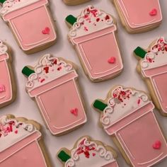 These Strawberry🍓 Frappuccino Cookie's are so cute! They make us want the cookie's and the real thing! Add a dash of Tinker Dust® to make these cookies glitter and gleam✨! Fancy Cookies, Iced Cookies, Cute Cookies, Cupcake Cookies, Sugar Cookies, How To Make Cookies, Cupcakes, Sugar Cookie Royal Icing, Cookie Icing