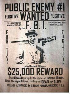 john dillinger americas public enemy number one Et public enemies (2004), inspiré de l'histoire de john dillinger et adapté au  he made dillinger americas first public enemy number one and.
