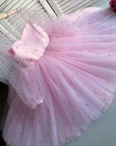 Frocks For Girls, Girls Party Dress, Little Girl Dresses, Girls Dresses, Baby Girl Birthday Dress, Birthday Dresses, Baby Dress, Dot Dress, Kids Dress Wear