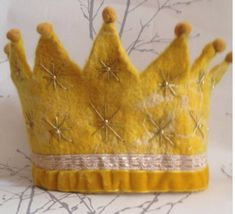 Golden Waldorf Crown