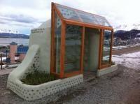 Ushuaia: construcción de una parada de colectivos con materiales reciclados