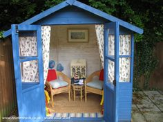 Image from http://www.readersheds.co.uk/images/sheds/new/3351-1_20B1464F-0BC6-3B2B-01E5F3BF24BF35A3.jpg.