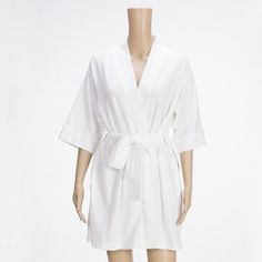 Breaking the ice for misconceptions on Bathrobes for Women! Bathrobes are common. But there are certain misconceptions and myths that people have. Most of them have a certain image in their mind about bathrobes for women. So in this post I will help you realize some of the facts that will help you learn its amazing uses.