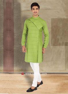 New fashion kurta pajama 2019 Indian Men Fashion, Men Fashion Show, Mens Fashion, Gents Kurta Design, Boys Kurta Design, Kurta Pajama Men, Kurta Men, Latest Kurta Designs, Mens Ethnic Wear