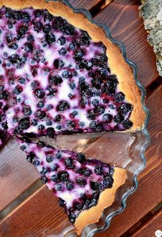 TRADITIONAL FINNISH BLUEBERRY PIE