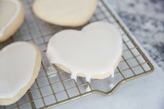 Glazed Sugar Cookie Tutorial Tutorial: Cookie Decorating with Glace Icing Glaze Icing For Sugar Cookies, Best Sugar Cookie Icing, Owl Sugar Cookies, Candy Cookies, Cut Out Cookies, Icing Recipe, Frosting Recipes, Dessert Recipes, Cookie Recipes