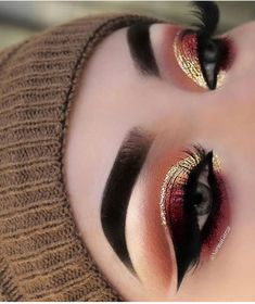 This make-up trend is the easiest way to update your look. Excellent idea for eye make-up # Makeup Trends, Eye Makeup Tips, Makeup Goals, Skin Makeup, Makeup Inspo, Makeup Products, Makeup Eyeshadow, Makeup Kit, 80s Makeup