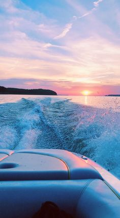 sunset boulevard sunset vsco sunset tattoos sunset party before sunset colorful sunset amazing sunsets aesthetic Top 10 best places for inspiration Beach Aesthetic, Summer Aesthetic, Aesthetic Vintage, Aesthetic Grunge, Travel Aesthetic, Water Aesthetic, Rainbow Aesthetic, Music Aesthetic, Aesthetic Rooms