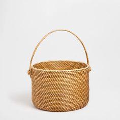 LARGE LOW BASKET WITH HANDLES - Baskets - Decoration | Zara Home Greece