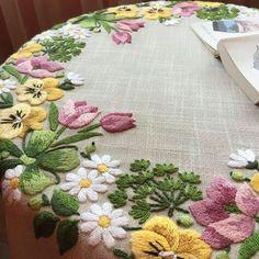 new brazilian embroidery patterns Brazilian Embroidery Stitches, Types Of Embroidery, Embroidery Thread, Cross Stitch Embroidery, Machine Embroidery, Embroidery Supplies, Hand Embroidery Flowers, Silk Ribbon Embroidery, Hand Embroidery Patterns