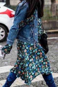 Street style at Fashion Week high fashion spring-summer 2018 Paris