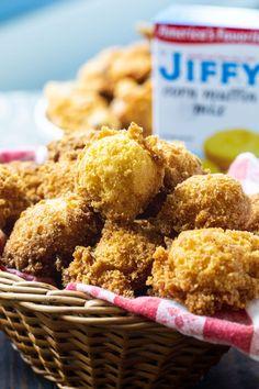 Jiffy Hush Puppies are wonderfully crispy on the outside. Jiffy Mix Recipes, Jiffy Cornbread Recipes, Soup Recipes, Sweet Cornbread, Recipies, Dinner Recipes, Corn Muffin Mix, Corn Muffins, Hush Puppies Recipe Jiffy