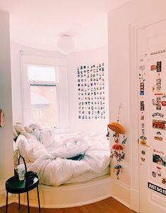 decor ideas with spray paint ideas kochi dorm ideas to decor bedroom decor ideas 2018 decor ideas uk ideas gazebo keys ideas Room Ideas Bedroom, Diy Bedroom, Bedroom Storage, Bedroom Inspo, Teen Room Decor, Bedroom Stuff, Girl Bedroom Designs, Girl Decor, Bedroom Apartment
