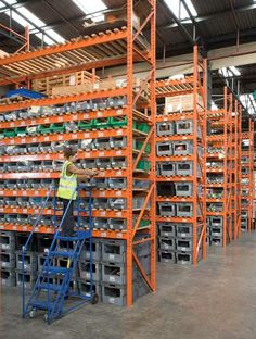 DK Packing, Wide Aisle Pallet Racking - Distribution Centre