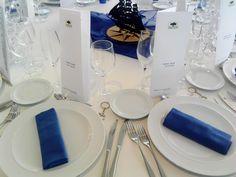 Detall tovallons blaus. www.eventosycompromiso.com