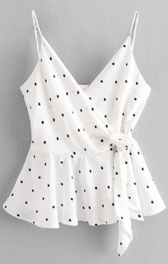 2019 Cami Dots Wrap Tank Top The most beautiful picture for fitness videos photogra . Casual Skirt Outfits, Trendy Outfits, Summer Outfits, College Fashion, Teen Fashion, Fashion Outfits, Fashion Clothes, Fashion Shirts, Style Fashion
