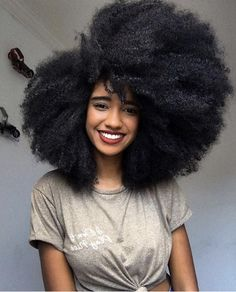 How not to process your natural kinky stands Should Afro-Caribbean hair be natural or it should be chemically processed for black women to feel confident? Big Natural Hair, Pelo Natural, Natural Hair Journey, Natural Hair Styles, Natural Beauty, Big Hair, Your Hair, Wavy Hair, Pelo Afro