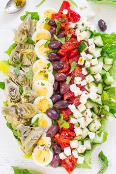 Mediterranean Cobb Salad This Mediterranean salad easy, healthy, accidentally vegetarian, ready in 10 minutes, and you can easily size the recipe up if you're making it for a larger group. Artichoke Salad, Artichoke Recipes, Healthy Salad Recipes, Vegetarian Recipes, Mediterranean Salad Recipe, Easy Salads, Clean Eating, Cobb Salad, Dining