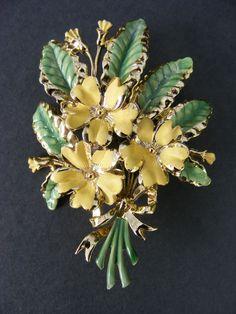 Vintage Exquisite brooch.Enamel Primrose February birthday Pristine condition