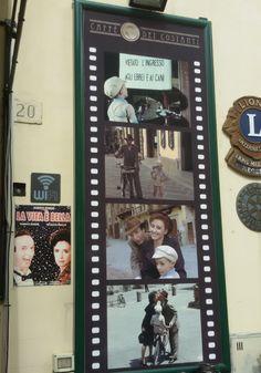 Foto scattate ad Arezzo nei luoghi dove sono state girate delle scene del film La vita è bella . . . .questo articolo l'ho scritto mentre sono seduta ad un tavolino del Caffè Dei Costan…