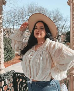 """Howdy there partner!""🤠 it's okay, I'm from Nashville.""Howdy there partner!""🤠 it's okay, I'm from Nashville. Cute Lazy Outfits, Curvy Outfits, Plus Size Outfits, Fashion Outfits, Thick Girl Fashion, Curvy Fashion, Plus Size Fashion, Asian Fashion, Chubby Girl"
