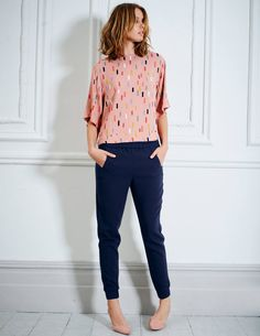 Browse our wide range of tops and T-shirts for women at Boden, from t-shirts to jersey tops. Discover our range of flattering tops that fit you perfectly. Kids Outfits, Casual Outfits, Fashion Outfits, Fashion Ideas, Weekly Outfits, European Fashion, European Style, Mode Style, Beautiful Outfits